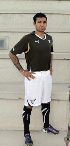 Le maglie della Lazio per il 2010/11, la celeste è come quella ...